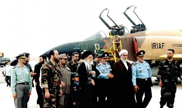 בכירים איראנים מבקרים בבסיס, ומגיעים לליין פאנטומים