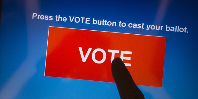 מכונות הצבעה שיפרו את הדמוקרטיה בהודו, אז למה לפחד מהן?