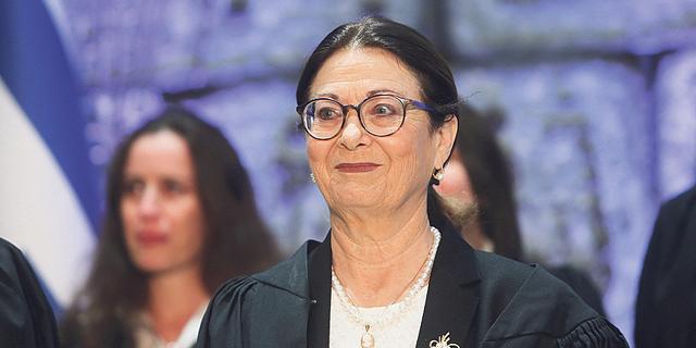 מקום 7: אסתר חיות, נשיאת בית המשפט העליון - שומרת על בית המשפט משר המשפטים