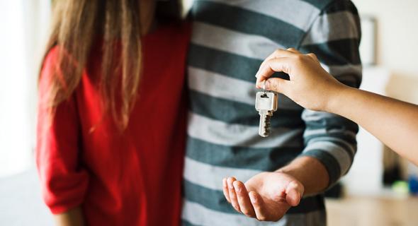 מה צריך לדעת לפני שמוסרים מפתחות?