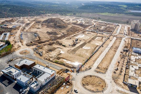 """צילום אוויר, בניית יסודות השכונה החדשה בחריש, ע""""י שפיר, צילום: חברת שפיר"""