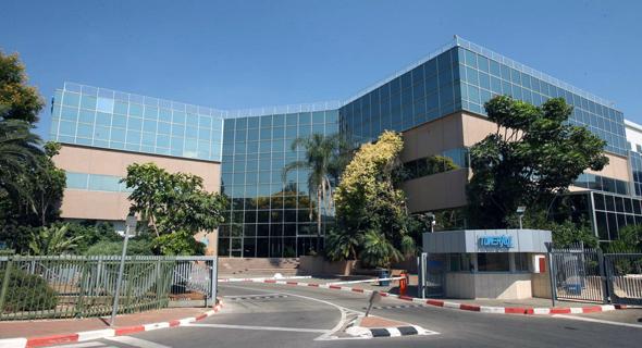 בניין המשרדים במגדל העמק, צילום: אלעד גרשגורן