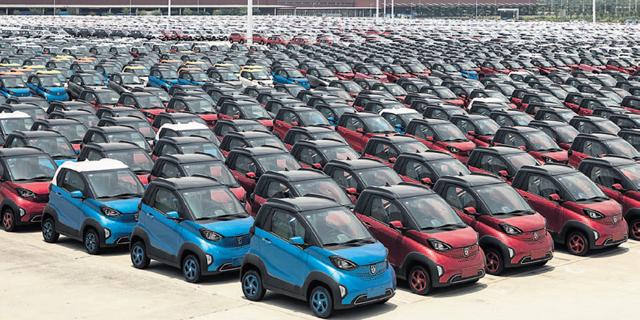סין תאיץ את הכלכלה דרך סבסוד מכוניות ומכשירי חשמל ירוקים