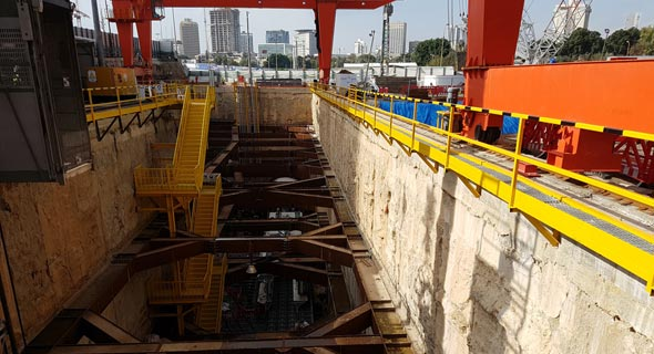 אתר בניית הרכבת הקלה בדרך בגין ב תל אביב, צילום: דוד הכהן