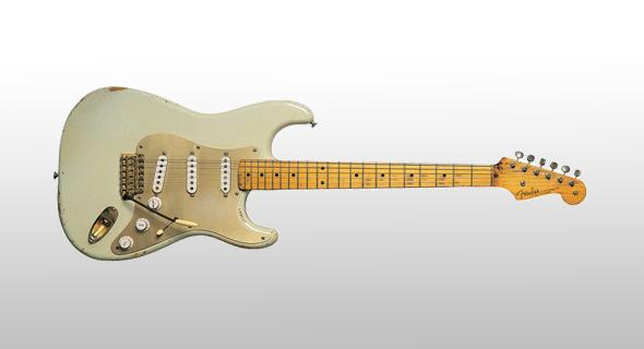גיטרת הסטרטוקסטר 1954 הלבנה של גילמור, בה השתמש בהקלטות של Another Brick in the Wall (חלקים 2 ו-3), צילום: גטי