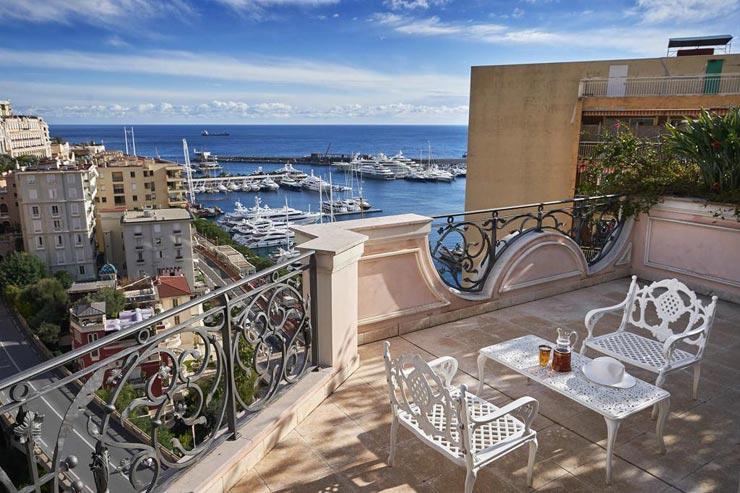 להתחיל בנוף: מרפסת האחוזה עם נוף יפיפה לים התיכון, צילום: Sotheby