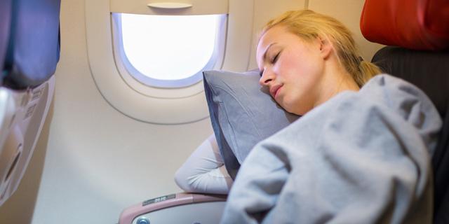 כדורי שינה לטיסה: אילו קיימים, ואילו מתאימים?