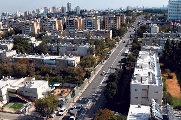 רחוב לה גוארדיה. 2,400 דירות חדשות לצד בתי קפה ועסקים קטנים