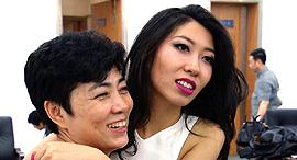 זמרת וואנטינג צ'ו Wanting Qu האם ג'אנג מינג'יה סין אופיר דור 1 , צילום: CTV