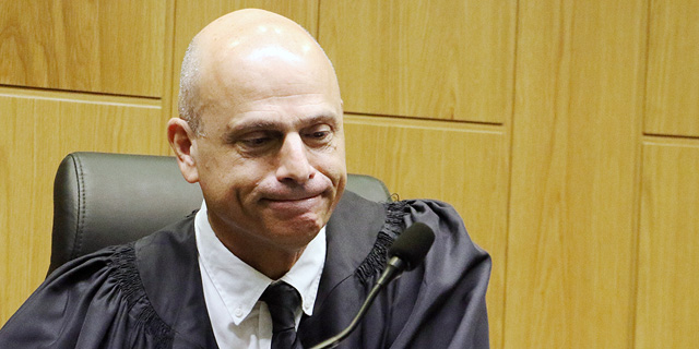 לא רק שימוש בסלולר בנהיגה: לשופט אורנשטיין 17 הרשעות בעבירות תעבורה