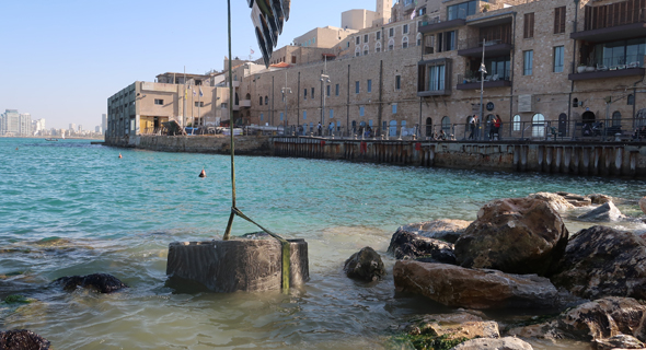 Installation of ECOncrete's tide pools in Jaffa earlier this week. Photo: ECOncrete