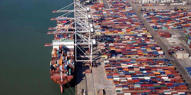 """ארה""""ב בוחנת מכסים על מוצרים ב-2 מיליארד דולר משש מדינות"""