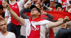 אוהדי אייאקס קבוצת כדורגל הולנדית, צילום: רויטרס