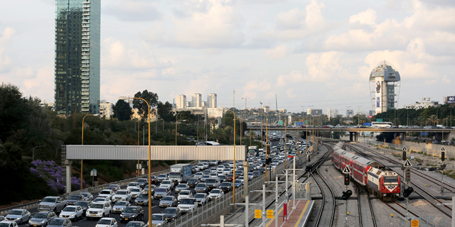 A traffic jam in Tel Aviv. Photo: Reuters