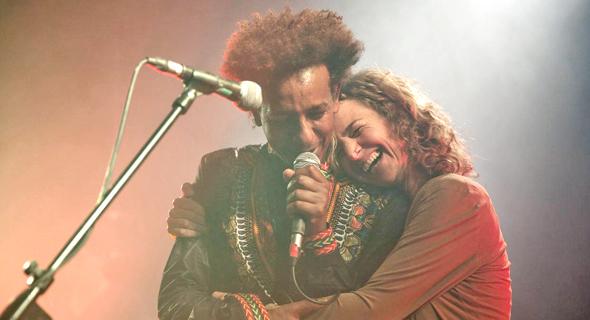 """יאלו (משמאל) עם עלמה זהר, שתתארח במופע שלו בפסטיבל זמן פיוט בתל אביב. """"לא מפחדת להגיד מה היא חושבת"""""""
