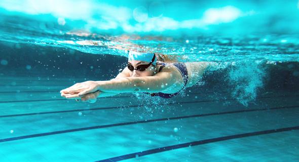 מעקב אחרי זמן השחייה המצטבר. גם סטיות קלות בקצב לא ישבשו את הספירה, צילום: שאטרסטוק