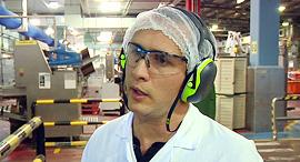 עמרי פינסקי מנהל ייצור מחלבת שטראוס, צילום: טל אזולאי