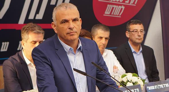 שר האוצר משה כחלון במסיבת העיתונאים היום, צילום: עמית שעל