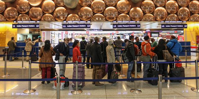 טיסות הפנים בהודו זינקו, חברות הלואו-קוסט מעלות את המחירים
