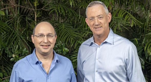 מימין: בני גנץ ואבי ניסנקורן, צילום: הדרי