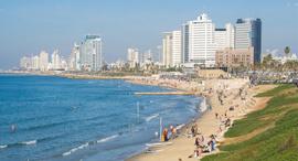 """חוף הים ב תל אביב זירת הנדל""""ן, צילום: Brad Calkins/Dreamstime.com"""