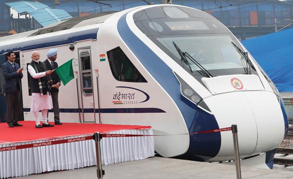 ראש ממשלת הודו משיק את הרכבת המהירה בהודו, ביום חמישי שעבר