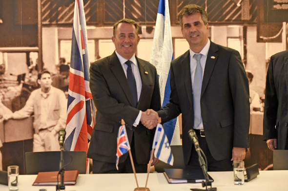Liam Fox (left) and Eli Cohen. Photo: Jorge Novominsky