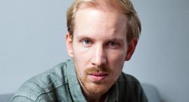 מוסף שבועי 21.2.19 תקציר מנהלים רוטגר ברגמן עיתונאי והיסטוריון הולנדי, צילום: Maartje ter Horst
