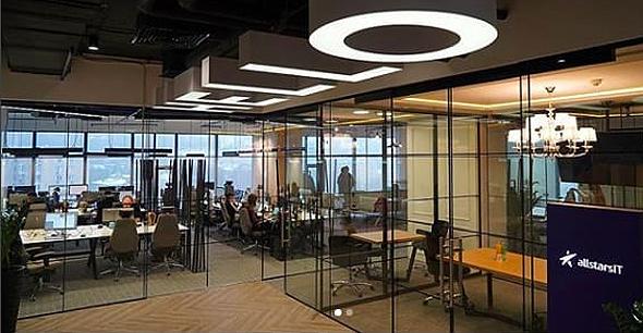 משרדי Allstars-IT בקייב. בסביבת קייב יש 100 אלף מתכנתים, מחצית מכלל המתכנתים בישראל