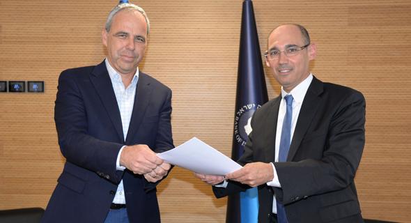 """נגיד בנק ישראל אמיר ירון, וירון בלוך יו""""ר לאומי קארד"""