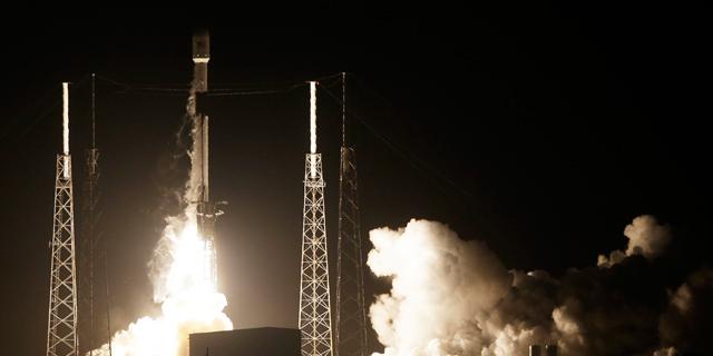 """החללית הישראלית בראשית שוגרה לירח: """"רגע היסטורי"""""""
