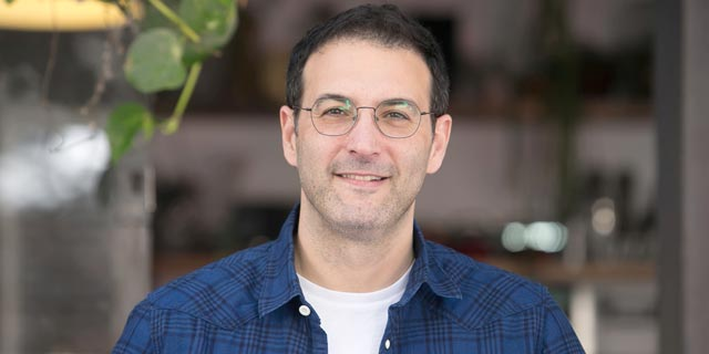 יוסי גטניו, הבעלים של בית הקפה והקייטרינג פטיט, צילום: אוראל כהן