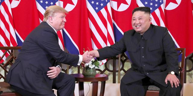 הפסגה בין הנשיא טראמפ נשיא צפון קוריאה קים ג