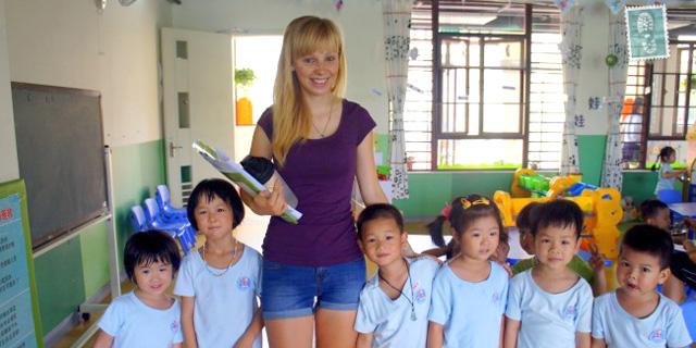 לסין חסרים חצי מיליון מורים לאנגלית וכל זר יתאים