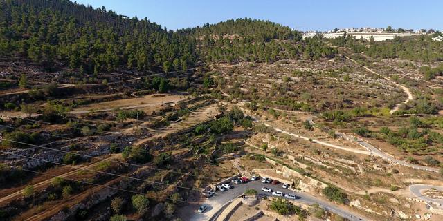 מדענים, סופרים, זמרים וירוקים: אלפי התנגדויות לבניית שכונה בהרי ירושלים