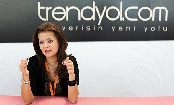 מייסדת Trendyol, דמט מוטלו. מצליחה לשמור על תמחור זול מזארה ו־H&M