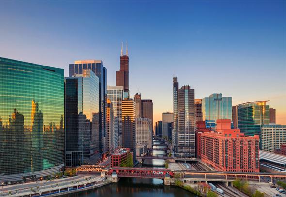 שיקגו. מחסום השפה ואי-ידיעת החוק מרתיעים משקיעים רבים