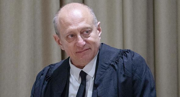 השופט אלכס שטיין. דירה אינה מוצר ולכן אין לכלול אותה בחוק לאיסור הפליה