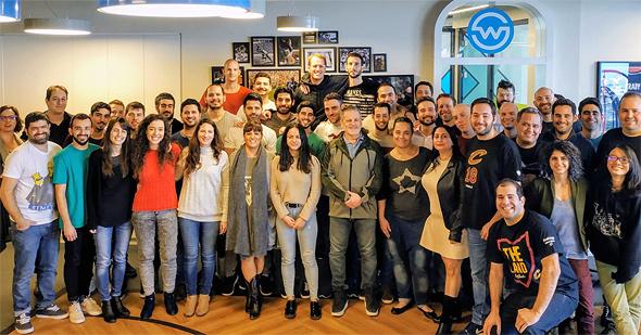 עובדי חברת WSC Sports עם דן גילברט