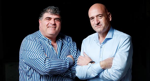 מימין: פיני ואמיר יעקובי, בעלי השליטה באחים יעקובי, צילום: עמית שעל