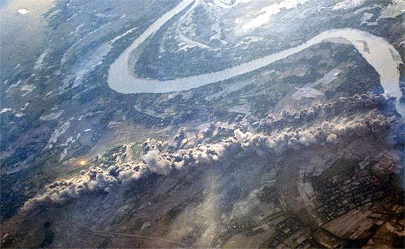 נתיב פיצוצים של מאות מטרים - תוצאה של הפצצת שטיח