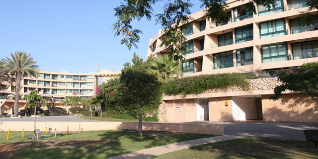 אזורים מציעה למכירה מגרש להקמת מלון בקיסריה