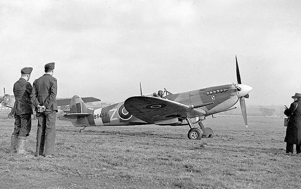 מטוס ספיטפיר בימי הקרב על בריטניה, צילום: RAF