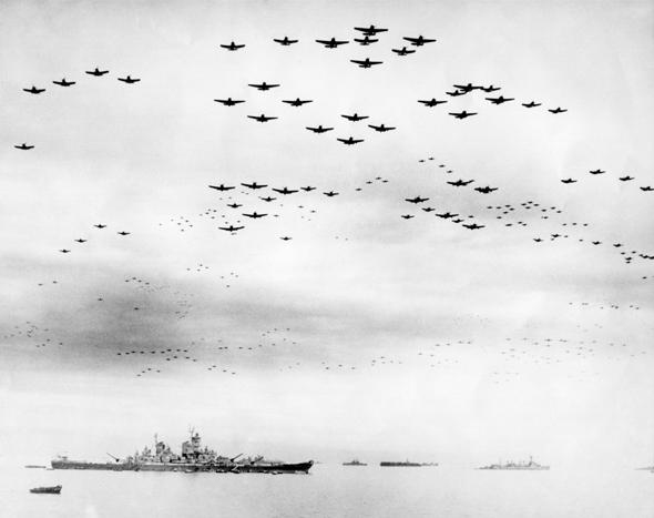 מטוסים אמריקאים בדרכם ליפן, צילום: שאטרסטוק