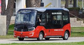 מיניבוס רכב אוטונומי גולדן דרגון סין 3, צילום: אודי עציון