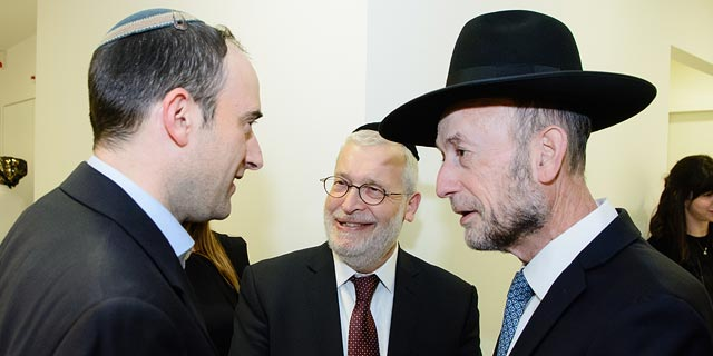 Brix CEO Moshe Wieder with MK Uri Maklev. Photo: Dave Morgenstern