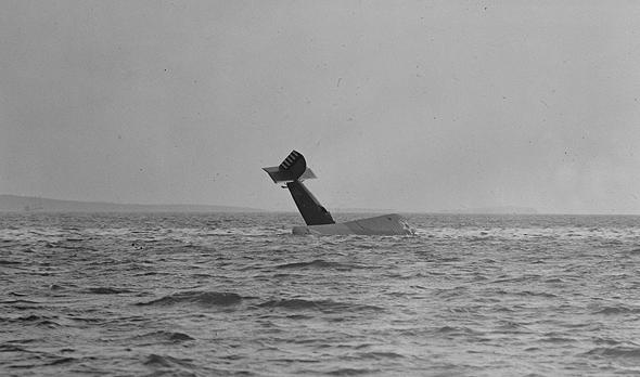 התרסקות מול חופי בוסטון, 1929, צילום: (Leslie Jones (BostonPublicLibrary