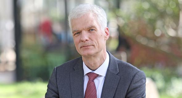 מנהל מחלקת החינוך של ה־OECD אנדריאס שלייכר. המוביליות ההשכלתית נחלשה