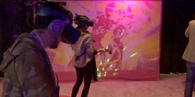 ההברקות של תערוכת SXSW: מציאות מדומה, חיות בר ונבואות זעם