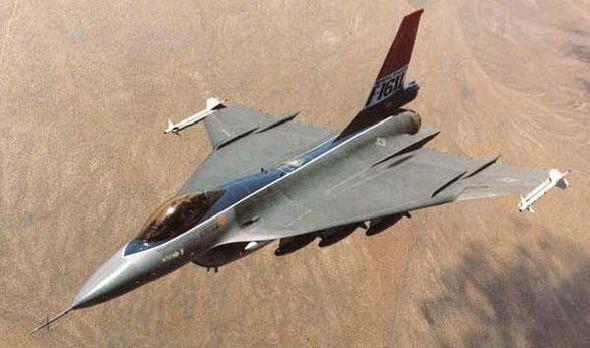 נעים להכיר: F16XL
